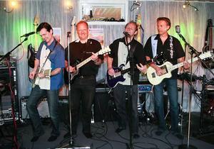 Turkey Twisters rockar fett i helgen. Micke From, Dan Hellström, Janne Carlsson-Lubell och Hasse Mesch. Trummisen Classe Hermansson saknas på bilden.
