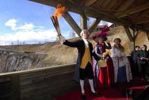 Invigd. Den nya entren till Falu gruva invigdes i går med musik och tal. Ett stort antal inbjudna gäster deltog.