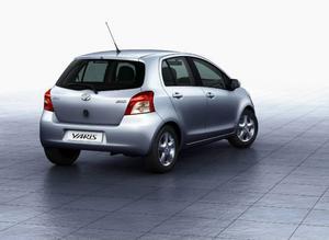 Toyota Yaris 1,3138 300 kronor.Japansk småbil som tillverkas  i Frankrike. Andas  kvalitet.