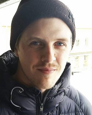 Viktor Roos går in som assisterande tränare i Bollnäs under rehabperioden.