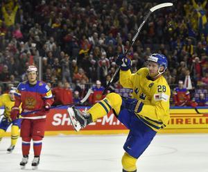 Sverige fick med sig en poäng i fredagens möte mot Ryssland. Elias Lindholm gjorde Sveriges enda mål.