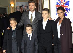 avid och Victoria Beckham med sönerna Cruz, Romeo och Brooklyn.