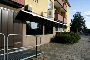 Polisen flyttar ut. Polisen överger sina gamla lokaler i Hofors redan i början på oktober.