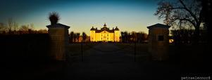 Våren är framme & passade på att ta en tur till strömsholms slott & ta några härliga bilder på slottet den efterlängtade vårsolen.