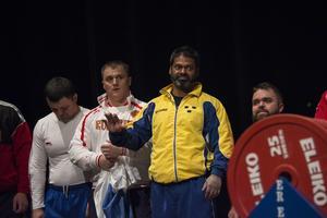 Amit Selberg putsade sitt eget veteranvärldsrekord med fem kilo under EM i Spanien. Bild från bänkpress-VM 2015.
