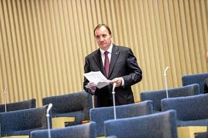 Måste lyssna. Stefan Löfvens regering tvingas arbeta tillsammans med riksdagen på ett helt annat sätt än vad Reinfeldt behövde göra. När frågor dras i riksdagens utskott måste ledamöterna från regeringspartierna lyssna noga på vad oppositionspartierna säger och försöka jämka förslagen. Arkivfoto: Jonas Ekströmer/TT
