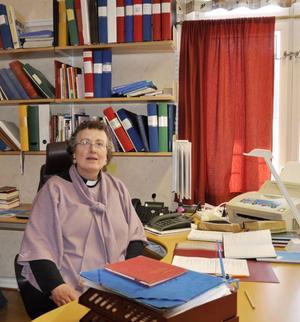Monica Lundin, präst vid Fjällsjö och Bodum församling tycker att nedskärningarna är ytterst beklagliga.