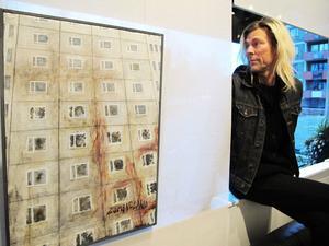 """Peter Endahl presenterar sin starka och oroande utställning """"Zombieland"""" på Galleri Majoo."""
