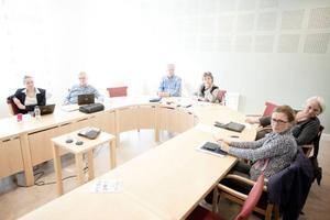 Presskonferens hos landstinget efter att konkreta besparingar beslutats i enighet av landstingsstyrelsen.