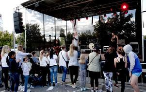 Leksands egen Idolstjärna Erik Rapp avslutade dagen från scenen.