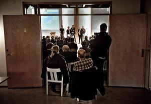 Många kom till mötet med Örebro kommun.