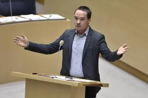 Kent Ekeroth, riksdagsledamot för SD, som var drivande i mobbningen mot femtonåringen.