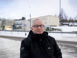 En bank som går emot det kapitalistiska systemet är inte något problem eftersom det kan ge fler småföretag, menar oppositionsrådet Bertil Böhlin (C).