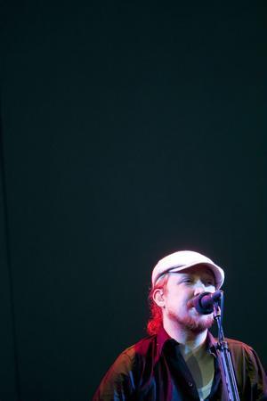 Lars Winnerbäck intog scenen vid 21-tiden.