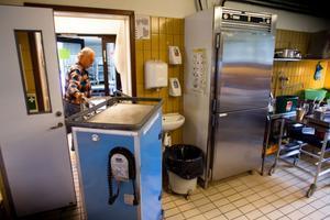 Maten körs direkt från Norrtullköket till Östra skolan, utan att kylas ned.
