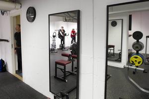 Gymmet är i en källare under en förskola.