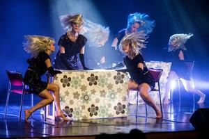 Bilden är från en dansföreställning 2017, med kulturskolans musikalgrupp Impuls. Foto: Robbin Norgren/Arkiv