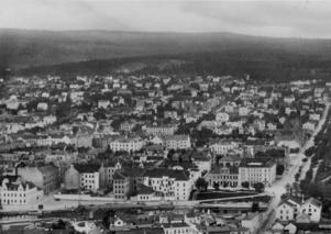 Sundsvall på 1930-talet, väl beskrivet i Lars Ahlins verk.