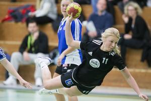 Molly Bergquist nätade sex gånger när HHK skakade om GT Söder på hemmaplan. Nu väntar tre mycket viktiga matcher i kampen om en kvalplats.