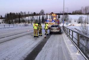 En trafikolycka har inträffat i korsningen Hulivägen-Timmervägen i Granloholm.