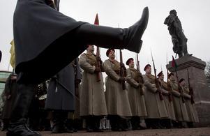 Stöveltramp. Ryssland rustar upp och har gripit in militärt i grannlandet Ukraina. Foto: Dmitry Lovetsky/ AP Photo/TT