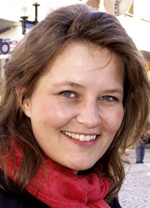 Mariann Sundberg, 37 år, Stackris:– Nej, för jag vill vara snygg till baddräkten. Men glass kan vara gott ibland, till exempel med jordgubbar på midsommarafton.