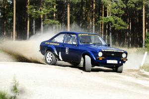I det sista heatet fick Tomas Pettersson i sin blå Ford Escort det att stämma rejält, vilket gav honom bästa tid bland A-förarna.