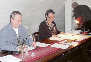Sekreterare Thomas Ahlin och ordförande Ulla-Britt Holmér. Bild: Privat.