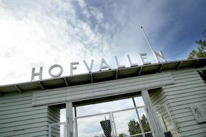 Jamtli ska etablera förskola på Hofvallens B-plan. Det betyder att många idrotter får flytta på sig från Hofvallen. IFK Östersund är en av dem som drabbas och de är inte nöjda över förslaget.   Foto: Ulrika Andersson