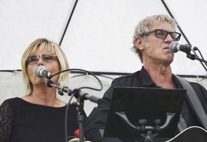 Ulrika Hägglund och Thomas Svensson är arrangörer och ansvarar för underhållningen på Stornäset.