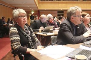 Ann-Marie Johansson (S), regionråd och regionstyrelsens ordförande, och Bengt Bergqvist (S), regionråd och regionstyrelsens tredje ordförande.