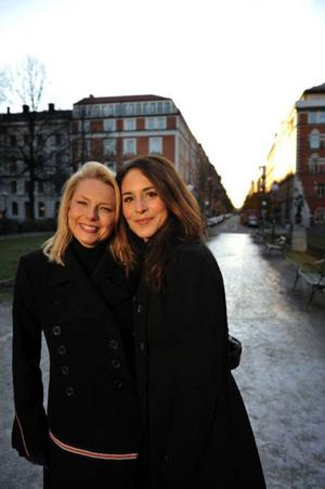 Årets stora juldrama handlar om Selma Lagerlöf. Helena Bergström och Alexandra Rapaport spelar Selma respektive Sophie.Foto: Jessica Gow/Scanpix