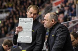 Thomas Mitell (till vänster) under sin tid som tränare för VIK.