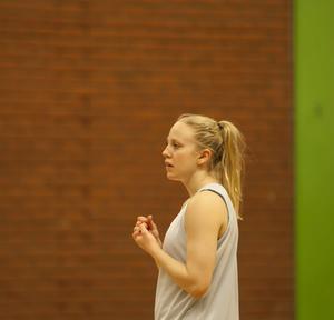 Olivia Lindgren har fått mycket speltid på bakplanen under Sveriges tre första matcher i EM.   Arkivbild: Hans Andersson