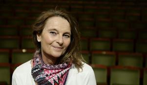 Suzanne Reuter läser noveller på Drömgården två söndagar i rad. Närmast blir det Ivar Lo Johansson.