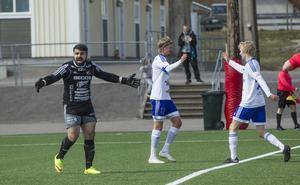 Södras målvakt Arman Poghosyan var rejält förbannad på sitt försvar efter 1–1-målet.