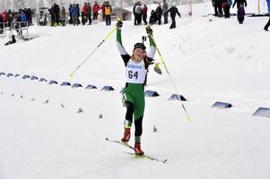 Jessica Skottheim vann damernas yngsta juniorklass i den inledande masstarten.