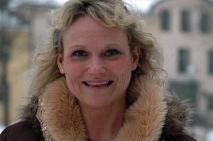 Tv. Ikväll berättar Marit Ähdel om sin magoperation för att gå ner i vikt i TV 3. Hon är musikläraren som bland annat skapade minnesvärda julshower.