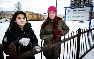 Johanna Grelsson och Lina Österberg undrar varför det bara är tjejerna som behöver gå DISA-programmet. De vill, precis som killarna gör, hellre läsa elevens val.