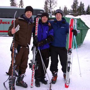 Stockholmsstudenterna Jonas Amnesten, Jocke Lindell och Johan Ask fick kännedom om dödsolyckan på Vemdalsskalet genom sina föräldrar.    Foto: Leif Eriksson