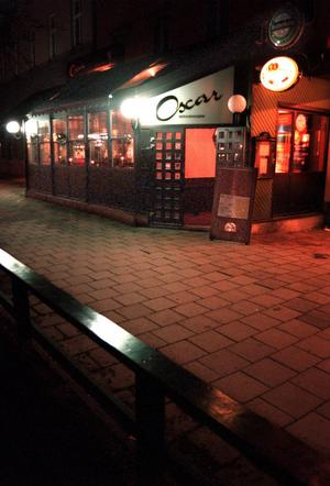 Oscar har nattklubb.