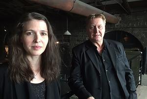 På ett plan är det Caroline och Kennet som skapat  årets utställning som är den 15:e i ordningen sedan starten 1995.