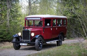 Bussen har volvochassi och karossen är byggd av AB Hägglund & söner i Gullänget, Örnsköldsvik, 1930.