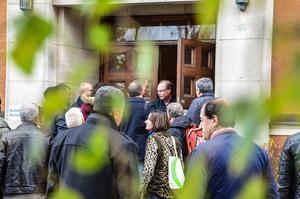Många samlades utanför stadshuset för att visa sin åsikt kring händelserna i Turkiet.