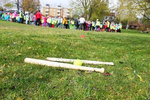 Hundratals Ljusdalselever samlades i jonsparken på Fritidshemmens dag.