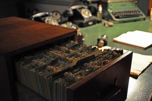 I kraftverket jobbade en maskinist som registrerade varje fel som uppstod. Kvar i dag finns en låda med kort där alla observationer skrivits ned på skrivmaskin på särskilda rapportkort. Även maskinistens skrivbord, skrivmaskin och annan utrustning finns kvar.