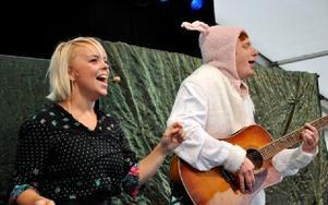 På djurplaneten blev det allsång med Bä-bä vita lamm.