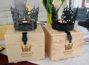 Äppelbo brudkrona har blivit en symbol för Äppelbo som nu Äppelbo design gjort en verion av.