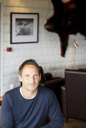 Hotellverksamheten pågår som vanligt. Att kombinera hotell och asylboende går bra, menar Fredrik Fortkord som är vd.