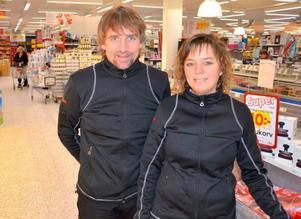 Stefan Pettersson och Malin Östborg är två lokala företagare som stöttar